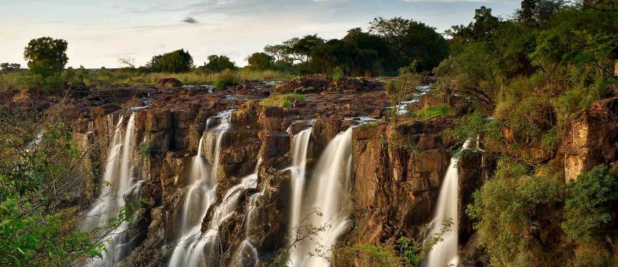 Travel Review: Luxury Safari in South Africa & Zimbabwe, Victoria Falls, Table Mountain..