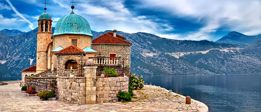 Montenegro holidays Tours: Fall in Love with This Small Piece of Beauty!