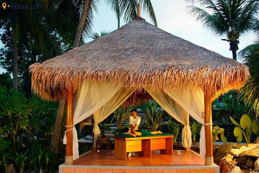 Enjoy in the Award Winning Namale Resort & Spa in this 8-Days Fiji Itinerary