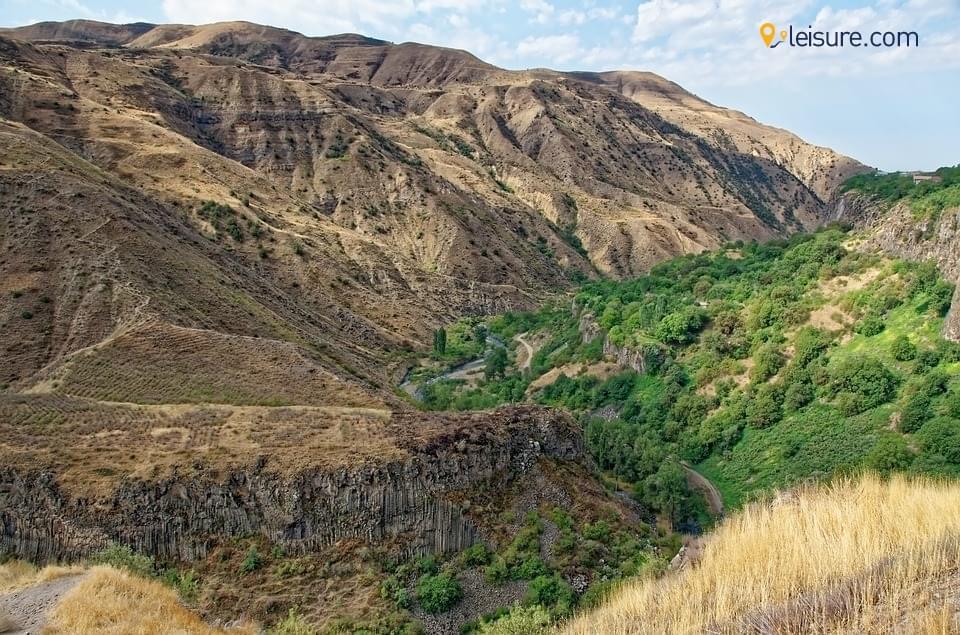 armenia opooeee